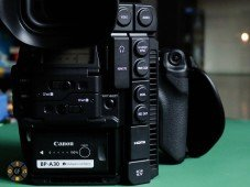 Canon C300MkII Review: Back side with connection ports closed